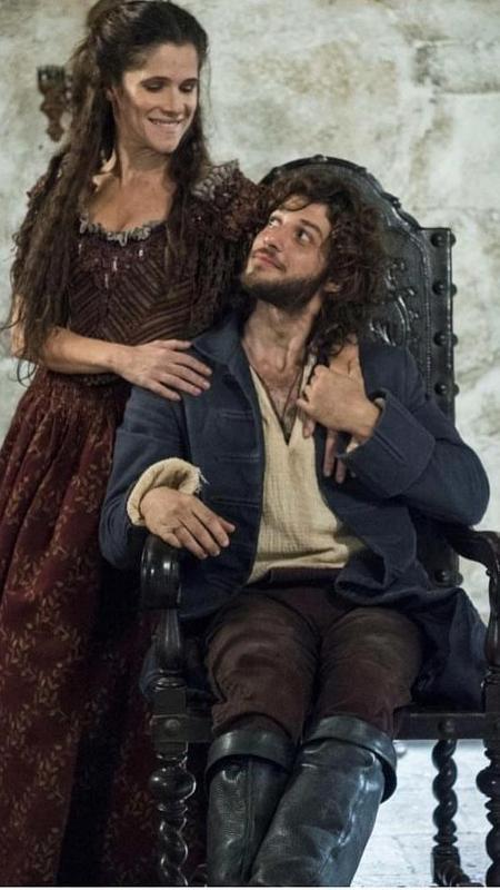 Ingrid Guimarães (Elvira) e Chay Suede (Joaquim) em foto postada pelo ator - Reprodução/Instagram