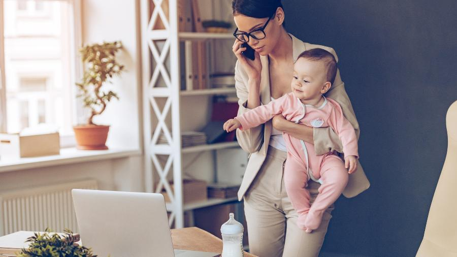 Empresas oferecem oportunidades e treinamento para mães - Getty Images