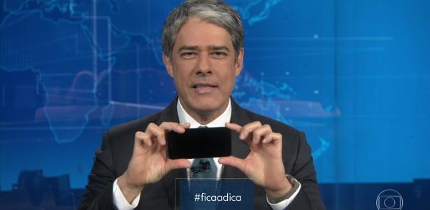 """William Bonner ensina o público a fazer vídeos com o celular na horizontal durante o """"Jornal Nacional"""""""