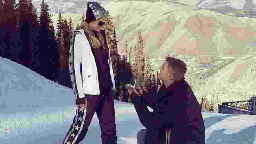 Paris Hilton é pedida em casamento pelo ator Chris Zylka - Reprodução/Instagram
