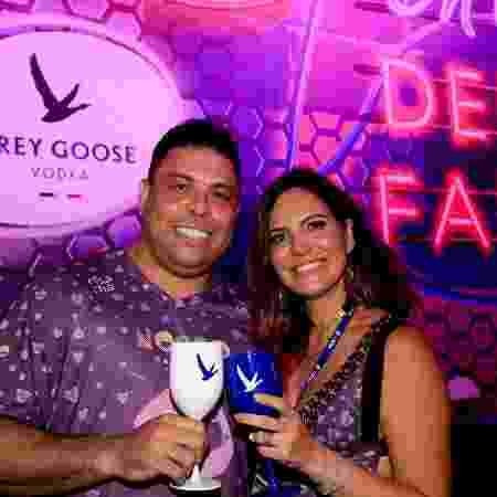 Ronaldo Fenômeno e Carol Sampaio no Nosso Camarote. O ex-jogador deixou a pareceria neste ano -  RT Fotografia/Brazil News/CS Eventos Divulgacao
