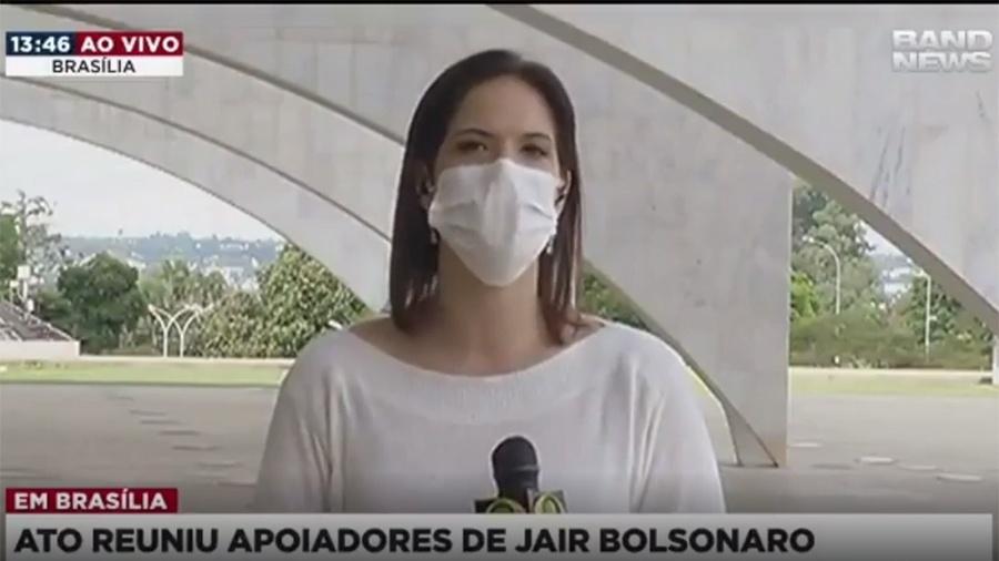 A repórter Clarissa Oliveira em entrada ao vivo direto de Brasília - Reprodução/Instagram