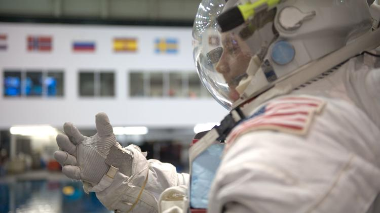 Doug Wheelock em treinamento no Neutral Buoyancy Laboratory (NBL), nos Estados Unidos, em 2009  -  Nasa -  Nasa