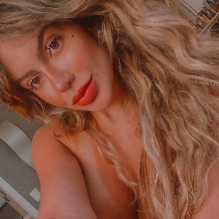 A modelo brasileira Lunna Leblanc posa nua no Instagram - Reprodução