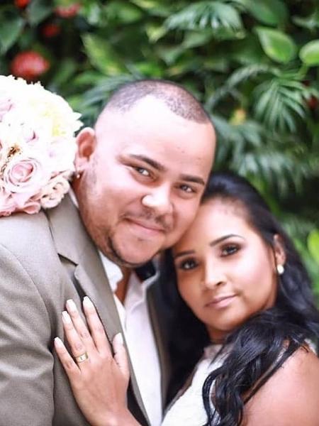 O cantor Juninho e a mulher, Thamy, que estava grávida - Reprodução