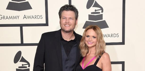 Blake Shelton e Miranda Lambert participam do 57º Grammy Awards, em Los Angeles