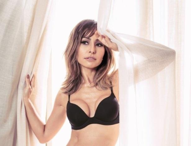 8f5ae2650f352 Sabrina Sato foi escolhida para ser a estrela de uma campanha de lingeries.  Vestindo modelos