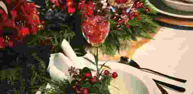 Flores e folhagens combinam perfeitamente com as festas e ainda perfumam o ambiente - Getty Images