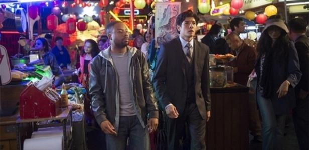 """Justin Hires e Jon Foo em cena da série """"Rush Hour"""" - Divulgação/CBS"""