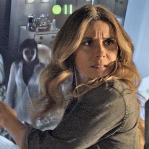 """Atena (Giovanna Antonelli) descobre cativeiro em """"A Regra do Jogo"""" - Reprodução/""""A Regra do Jogo""""/GShow"""