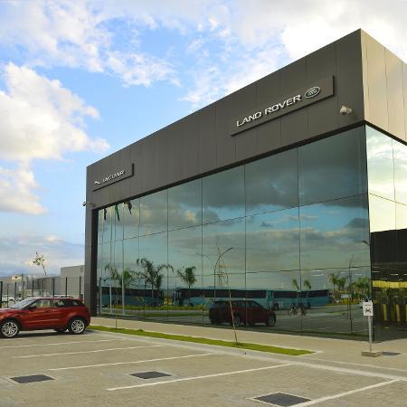 Fachada da fábrica da Jaguar Land Rover (JLR) em Itatiaia (RJ) - Rogerio Lorenzoni/Divulgação