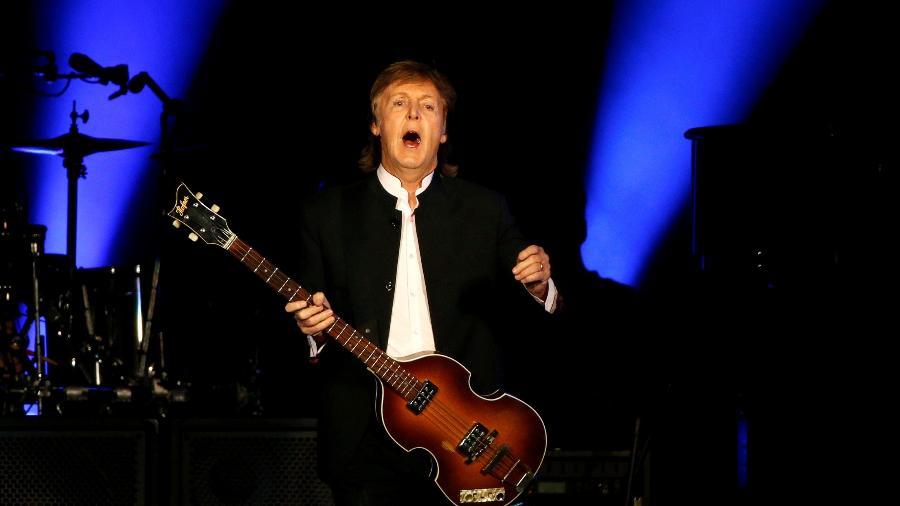 8.out.2016 - Paul McCartney se apresenta no segundo dia do festival Desert Trip, na Califórnia - Mario Anzuoni/Reuters