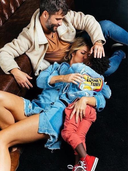Bruno Gagliasso, Giovanna Ewbank e Titi em um momento família mais que especial - Reprodução/Instagram