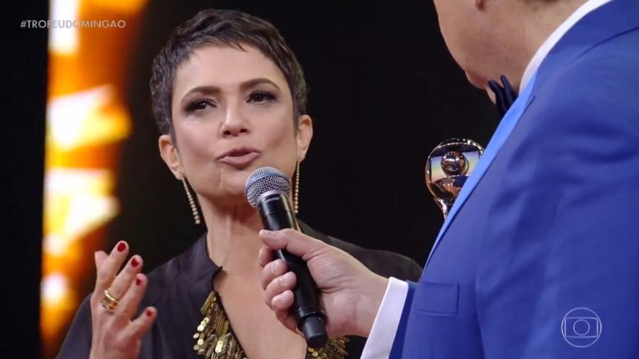 """Jornalista Sandra Annenberg participa do Melhores do Ano e discursa sobre a situação política do país: """"Depende de nós"""" - Reprodução/Globo"""