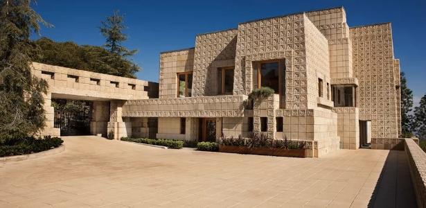 A histórica Ennis House, símbolo da arquitetura de Los Angeles