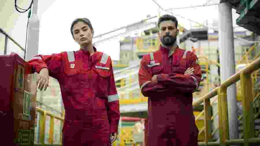 """Julia (Maria Casadevall) e Dante (Cauã Reymond), os protagonistas de """"Ilha de Ferro"""" - Raphael Dias/Gshow"""
