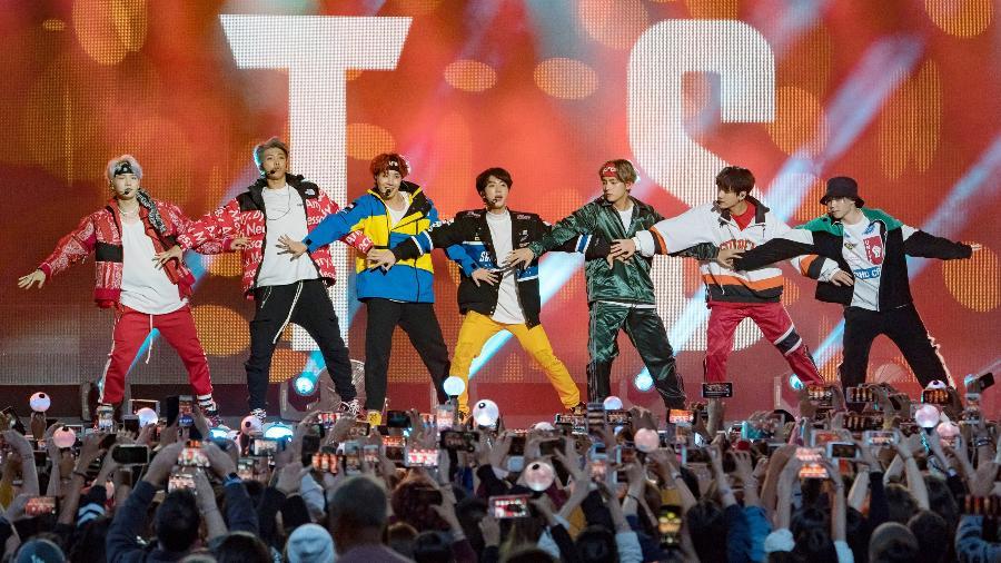 Sensação do k-pop, BTS se apresenta no programa de Jimmy Kimmel, em Los Angeles, nos Estados Unidos - RB/Bauer-Griffin/GC Images