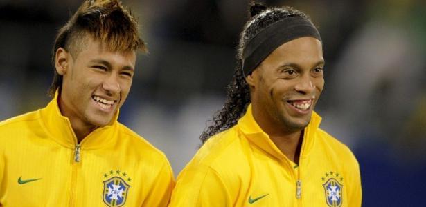 Neymar, Kaká, Ronaldinho e Ronaldo concorrem a prêmio de jogador do século