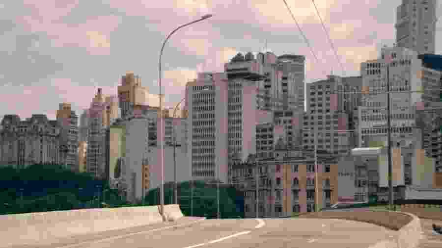 """Cena gravada em São Paulo, do episódio """"Striking Vipers"""", da nova temporada de """"Black Mirror"""" - Divulgação"""