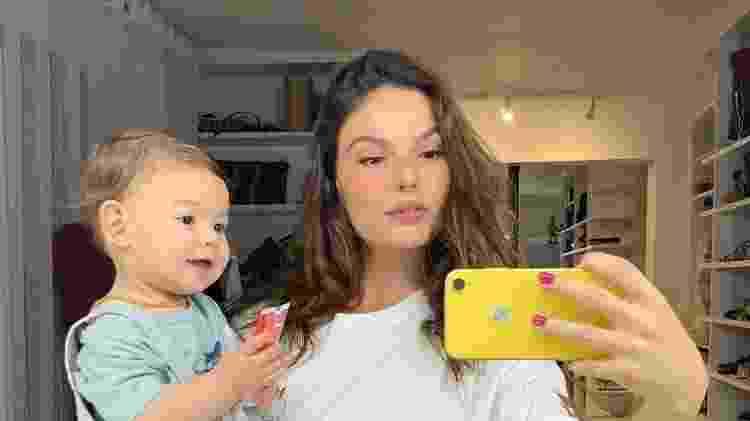 Isis Valverde faz foto ao lado do filho, Rael, quando ele tinha 11 meses - Reprodução/Instagram