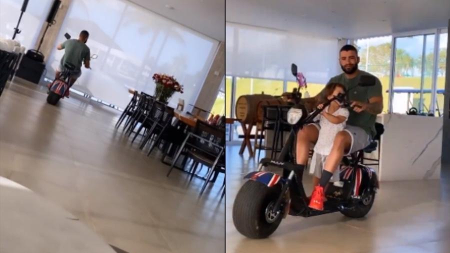 Gusttavo Lima anda de moto na sala de casa com o primogênito, Gabriel - Reprodução/Instagram