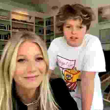 Gwyneth Paltrow e o filho Moses, de 14 anos - Reprodução/YouTube