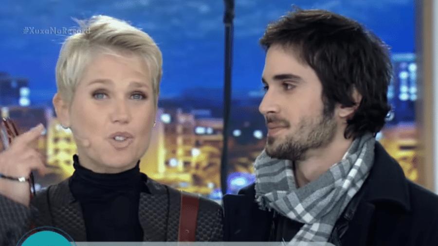 """Fiuk e Xuxa em 2016, na Record TV; no """"Encontro"""" de hoje, apresentadora opinou sobre vida amorosa do cantor no """"BBB"""" - Reprodução/Youtube"""