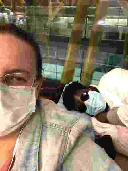 O casal no aeroporto de Madri - Arquivo pessoal - Arquivo pessoal