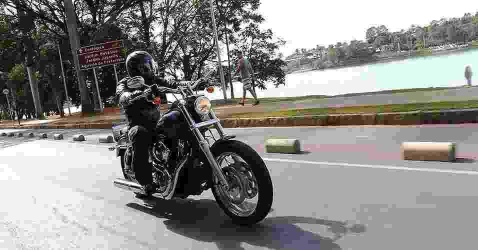 Harley-Davidson Low Rider passeia em Belo Horizonte - Fred Mancini/Infomoto