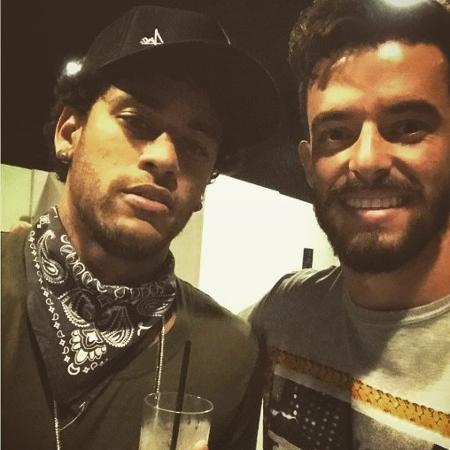 Neymar curte balada com amigo na véspera de um evento em prol do Instituto Neymar - Reprodução/Instagram