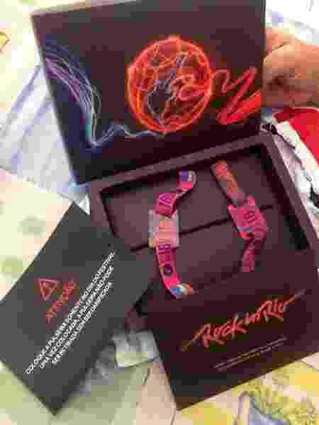 Clientes começam a exibir pulseiras de entrada para o Rock in Rio - Reprodução/Twitter/@Maykon_tt