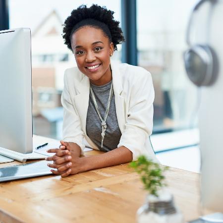 Mesmo em home office, aprenda a lidar com o sentimento de inveja que pode surgir entre colegas de trabalho - Getty Images