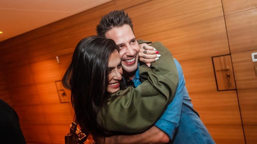 Cleo Pires se divertiu na festa do amigo Caio Fischer. A atriz chegou acompanhada do affair Felipe Titto, mas evitou fotos do casal  - Divulgação/Charles Naseh