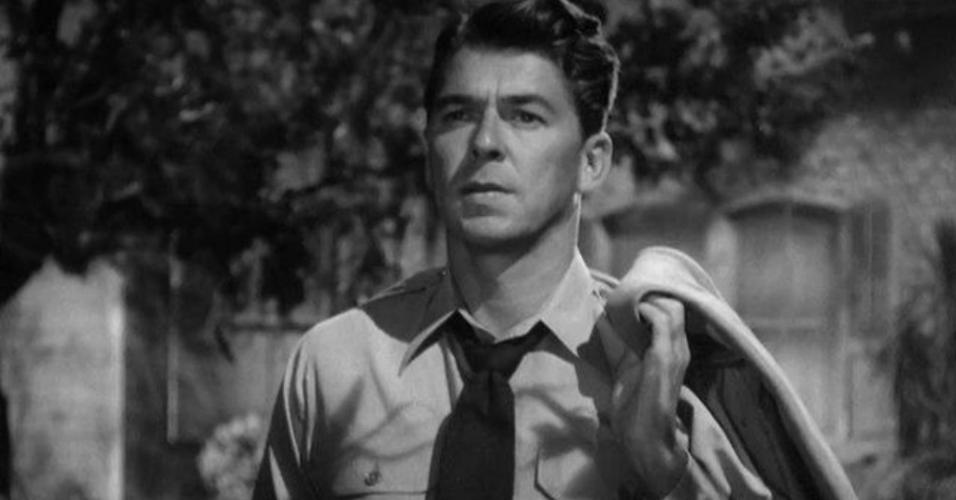 """Ronald Reagan em cena em """"Noite Após Noite"""" (1949)"""