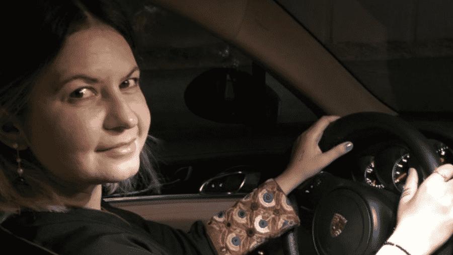 Alice Ferreira Souza na foto que postou em seu perfil nas redes sociais para mostrar apoio ao fim da proibição de mulheres dirigirem na Arábia Saudita - Alice Souza/Arquivo pessoal