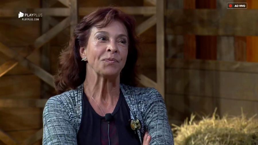 """Vida Vlatt conversa com Marcos Mion após ser eliminada de """"A Fazenda 10"""" - Reprodução/PlayPlus"""