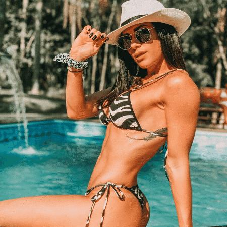Gabrielle Cardoso posta foto na piscina - Reprodução/Instagram/@gabecardoso
