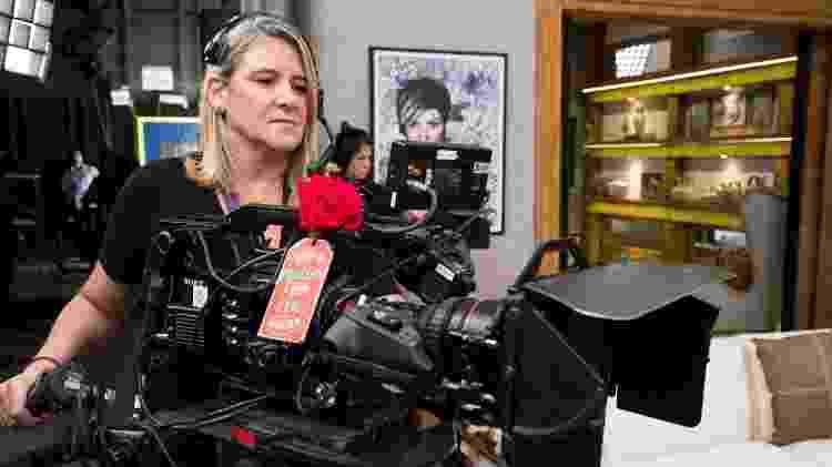 Cris Leccioli foi a primeira operadora de câmera dos Estúdios Globo. Durante anos ela foi a única mulher cinegrafista da emissora - João Miguel Junior/Globo