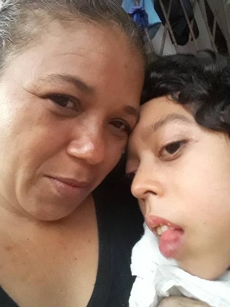 Edilma Canário e o filho Matheus - Arquivo pessoal