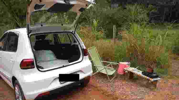 Ingrid retirou os bancos traseiros do carro e preencheu parte do espaço com uma caixa com ferramentas, um kit de primeiros socorros e um mini banheiro químico - Arquivo pessoal - Arquivo pessoal