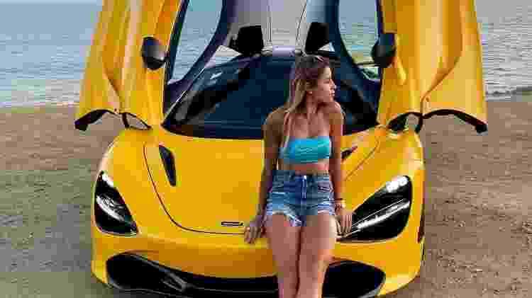 Skatista Letícia Bufoni e seu McLaren 720S - Reprodução - Reprodução