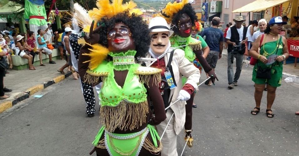 7.fev.2016 - Os papangus de Bezerros, a 100 km do Recife (PE), são tradicional atração do agreste pernambucano no Carnaval