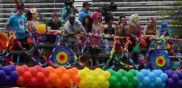 """Elenco de """"Sense8"""" na Parada Gay, em São Paulo - Francisco Cepeda/AgNews"""