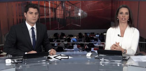 """Evaristo publica mais de 100 tuítes enquanto apresenta o """"Jornal Nacional"""" - Reprodução/TV Globo"""