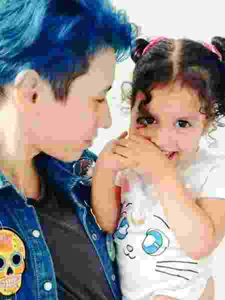 Tabs e a filha Melissa de quase 3 anos - Arquivo Pessoal