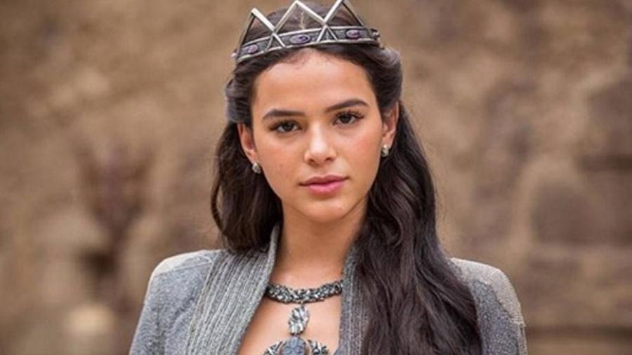 """Bruna Marquezine tem uma rotina pesada de gravações de """"Deus Salve o Rei"""" por ser uma das protagonistas da trama  - Divulgação/TV Globo"""