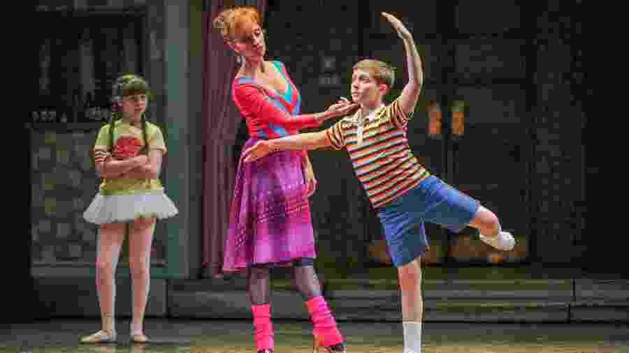 """Cena do musical """"Billy Elliot"""" - Amy Boyle/Divulgação"""