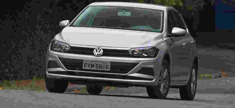 Juntos, o hatch Polo e o sedã Virtus foram os veículos sem pedal de embreagem mais vendidos no mês passado - Murilo Góes/UOL