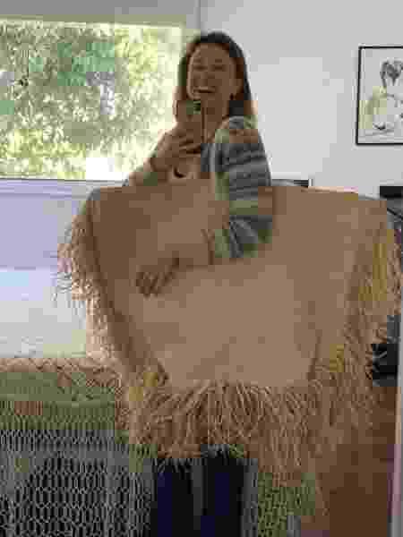 Paula Braun mostra bolsa gigante que filho comprou por engano - Reprodução/Twitter
