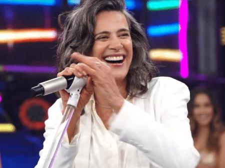 Web está inconformada com a verdadeira idade da cantora Simone - 29/12/2019 - UOL TV e Famosos